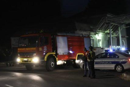 IZGORJELA ČETIRI VOZILA Zapalio više policijskih automobila i pobjegao