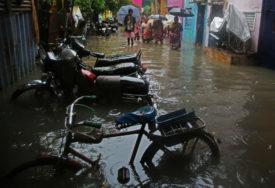 """CIKLON """"NIVAR"""" ODNIO PET ŽIVOTA Snažna kiša izazvala poplave"""