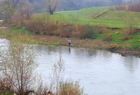 FOTOGRAFIŠU I VRATE U RIJEKU Banjalučani odani ribolovu i u jesenjim danima (FOTO)