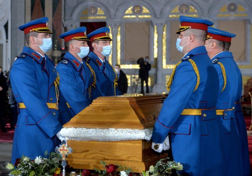 U KRIPTI HRAMA SVETOG SAVE Sahranjen blaženopočivši Njegova svetost patrijarh srpski Irinej