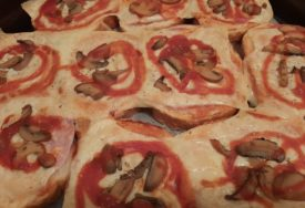 SENDVIČI IZ RERNE Brzinska večera sa pica sastojcima