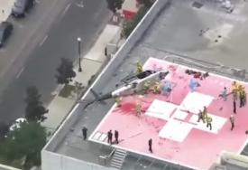 DRAMATIČNE SCENE Helikopter koji je dostavljao SRCE se srušio na krov bolnice, potom je ORGAN ispao doktoru (VIDEO)
