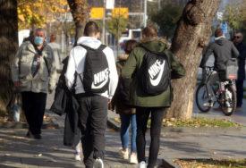 Pad broja zaraženih u Sloveniji: I maturanti srednjih škola prioritetna grupa za vakcinaciju