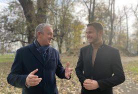 NAKON TRGA, U ŠETNJI PARKOM Borenović i Stanivuković o novim planovima i reformama