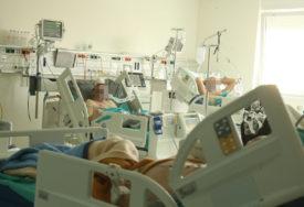 NA RESPIRATORU 48 HOSPITALIZOVANIH  U Banjaluci 36 pacijenata životno ugroženo