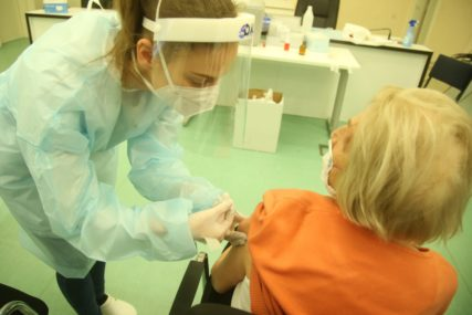 ZA DAN SKORO 30.000 NOVOZARAŽENIH Moskva želi da vakciniše do SEDAM MILIONA LJUDI