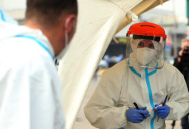 Do sada preminulo više od 8.000 ljudi: U BiH trenutno su 33.122 osobe zaražene virusom korona