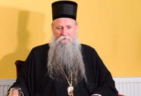 """""""SPC mora da se brani"""" Joanikije poručio da Ðukanoviću nije smetala podrška crkve"""