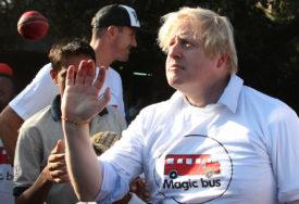 """""""MI NE RADIMO TAKO"""" Džonson tvrdi da u Britaniji neće primoravati nikoga da se vakciniše"""