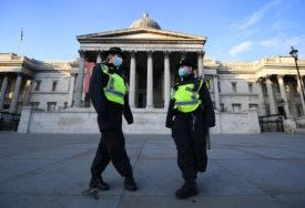 """""""ODBRANIMO SLOBODU I HUMANOST"""" Protesti protiv mjera, uhapšeno 60 ljudi"""