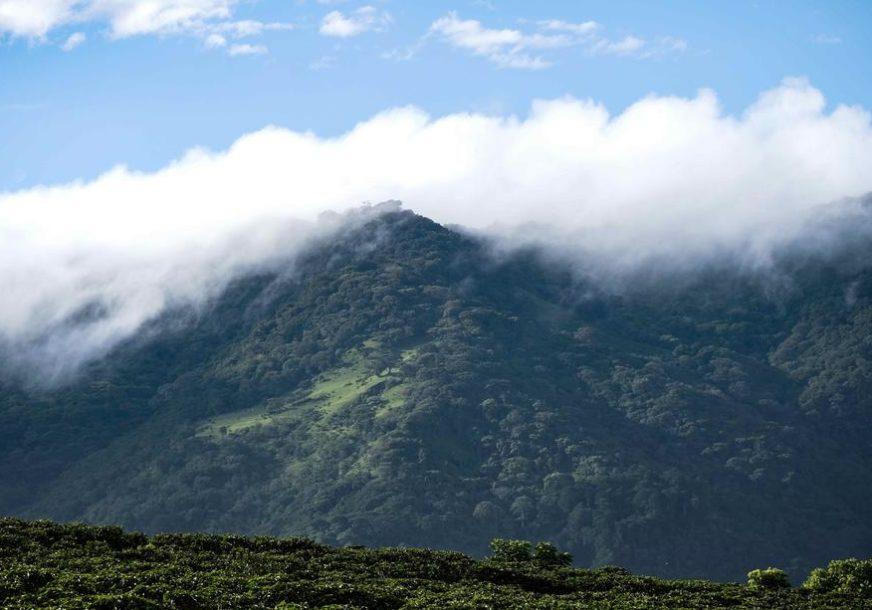 IZDATO UPOZORENJE STANOVNIŠTVU Proradio vulkan na Havajima, ostrvo zatim pogodio i zemljotres (VIDEO)