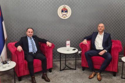 MOGUĆA SARADNJA DNS I SPS Ivić i Skoko razgovarali o aktivnostima u Narodnoj skupštini