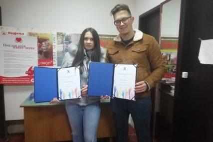 BRAT I SESTRA ZA PRIMJER Plemenitost volontera i aktivista Brestovac