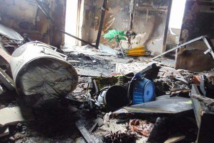NIJE RAZMIŠLJAO O SVOM ŽIVOTU Komšija nakon eksplozije uletio u stan, iz sigurne smrti izvukao ženu