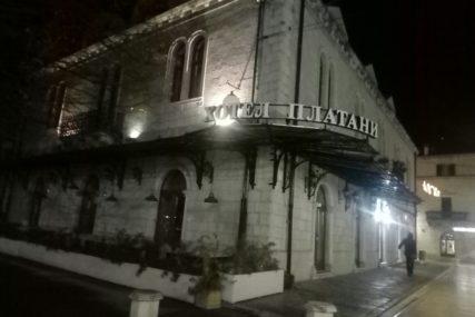 """""""BIJELI PLATANI"""" ZAKLJUČANI DO 1. MARTA Korona zatvorila hotel u Trebinju u kojem su odsjedale poznate ličnosti"""