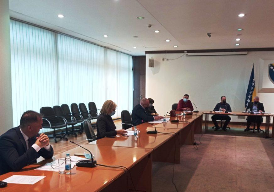 SMANJENJE SA 17 NA PET ODSTO Inicijativa za smanjenje PDV u turizmu, ugostiteljstvu i saobraćaju dobila podršku