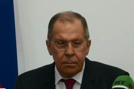 Lavrov u Kini: Moskva i Peking moraju smanjiti zavisnost od dolara