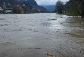 DETALJI POTRAGE ZA MUŠKARCEM NESTALIM U BUJICI Prevrnula se skela i upao rijeku, od tada mu se GUBI SVAKI TRAG
