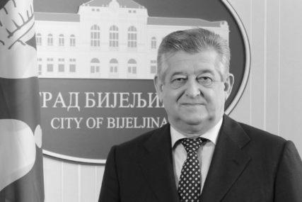 """""""Pobratimske veze predstavljaju trajnu vrijednost"""" Posthumno priznanje grada Kruševca Mići Mićiću"""