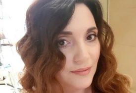 """""""LJEKARI SU GA SPASAVALI NA BOLNIČKOJ POSTELJI"""" Glumica sa suprugom prošla kroz pakao zbog OPAKE ZARAZE"""