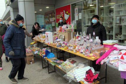 GRAĐANI POKAZALI VELIKO SRCE U Šamcu na humanitarnim bazarima prikupljen dio novca za pomoć Minji