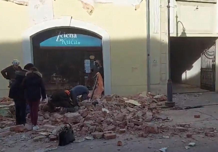 U PETRINJU STIGLA POMOĆ IZ TURSKE Za ugrožene zemljotresom kontejneri, šatori, grijalice