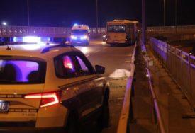 TEŠKA NESREĆA Mladić poginuo u sudaru autobusa u automobila