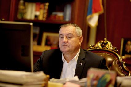 Višković čestitao Uskrs: Nadahnuće za dostojanstven život