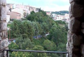 CIJENE NEKRETNINA NEVJEROVATNO NISKE Još jedno selo u Italiji nudi kuće za JEDAN EVRO