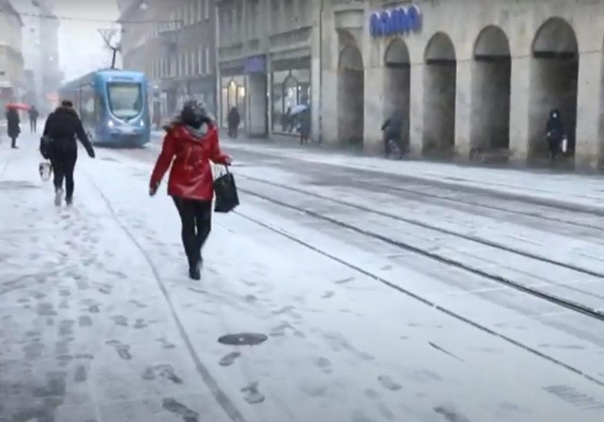 SNIJEG OPET IZNENADIO U DECEMBRU Prve pahulje napravile HAOS U REGIONU (FOTO, VIDEO)