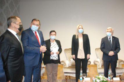OGLASILA SE NA DRUŠTVENIM MREŽAMA Cvijanović: Posjeta Lavrova dokaz odličnih odnosa Rusije i Srpske (FOTO)
