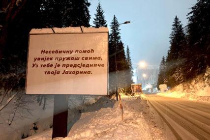 """""""NESEBIČNU POMOĆ UVIJEK PRUŽAŠ SVIMA..."""" Bilbord podrške Dodiku i na Jahorini"""