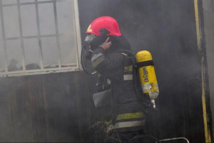 BAČEN MOLOTOVLJEV KOKTEL Požar u restoranu u Beogradu