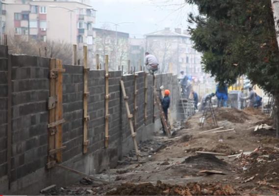 """""""TRAJAĆE 100 GODINA""""  Zatvorenici grade novi zid Kazneno popravnog zavoda ZENICA"""