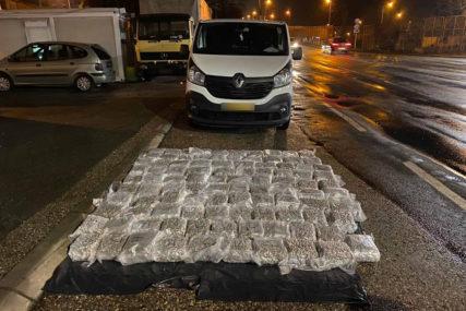 Pristao na ČETIRI GODINE ZATVORA: Državljanin Hrvatske u Gradiški uhapšen sa 109 kilograma skanka
