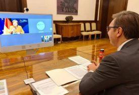 VUČIĆ I MERKELOVA SAGLASNI Za očuvanje mira neophodan razgovor Beograda i Prištine