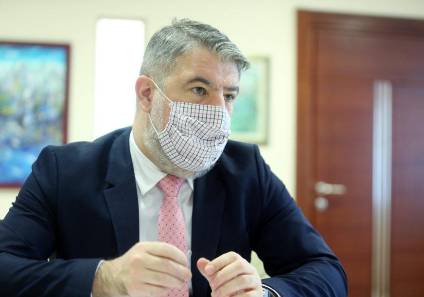 """""""AKO TO BUDE POTREBNO"""" Šeranić poručio da će se prvi vakcinisati"""