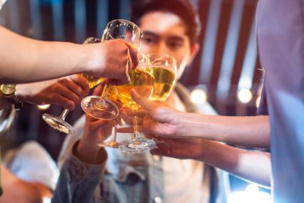 OD RADOZNALOSTI DO PAKLA ZAVISNOSTI Sve više djece u Srpskoj konzumira duvan, alkohol i drogu