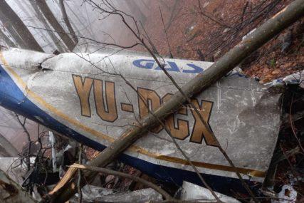 KOBNI LET IZNAD KOZARE Izvučena tijela poginulih, istraga se nastavlja (FOTO)