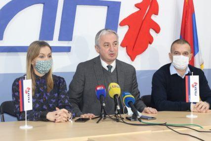 """""""IZBORE U DOBOJU TREBA PONOVITI"""" Borenović poručio nadležnima da procesuiraju odgovorne za IZBORNU MANIPULACIJU"""