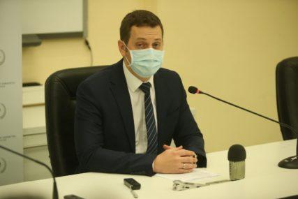 """""""NE ZNAM DA LI TO VAŽI I ZA FBiH"""" Zeljković tvrdi da ruske vakcine u Srpsku STIŽU U FEBRUARU"""