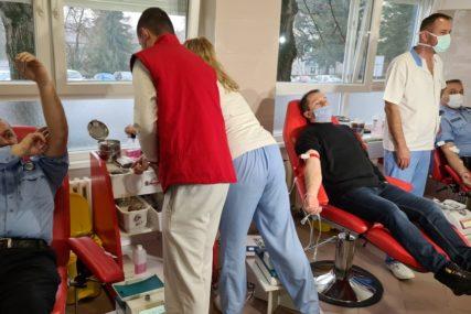 DVODNEVNA AKCIJA Oko 40 dobojskih policajaca daruje krv