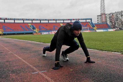 NE ODRIČE SE SPORTA Novi gradonačelnik Banjaluke slobodno vrijeme proveo na stadionu (FOTO)