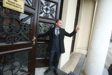 """""""IMA ODSTUPANJA I LAŽNIH DIPLOMA"""" Stanivuković nastavlja da """"češlja"""" Gradsku upravu, na sajtu PODACI O ZAPOSLENIMA"""