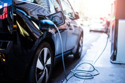 INICIJATIVA MINISTARSTVA ENERGETIKE RS Osloboditi od plaćanja PDV uvoz električnih automobila