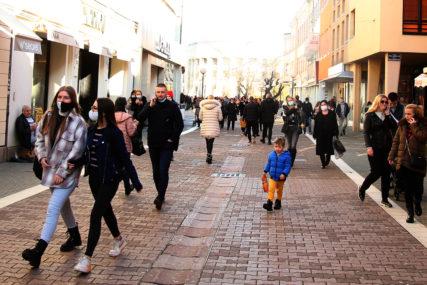 DVOJE RADI, JEDNO NA BIROU Stanje na tržištu rada u BiH