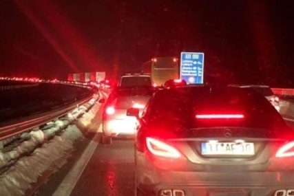 Budite strpljivi: Povećana frekvencija vozila na graničnom prelazu kod Velike Kladuše