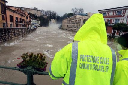 """PROGLAŠENA """"CRVENA UZBUNA"""" Jake kiše izazvale poplave na sjeveru Italije"""