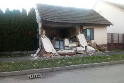 SPECIJALIZOVANA JEDINICA Bijeljinski tim za spasavanje iz ruševina upućen u Kostajnicu