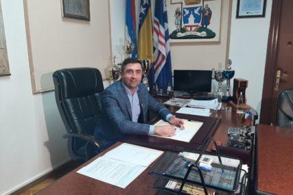 NOVI POTEZ GRADONAČELNIKA BIJELJINE Pozvao građane da prijave nepravilnosti u gradskim preduzećima